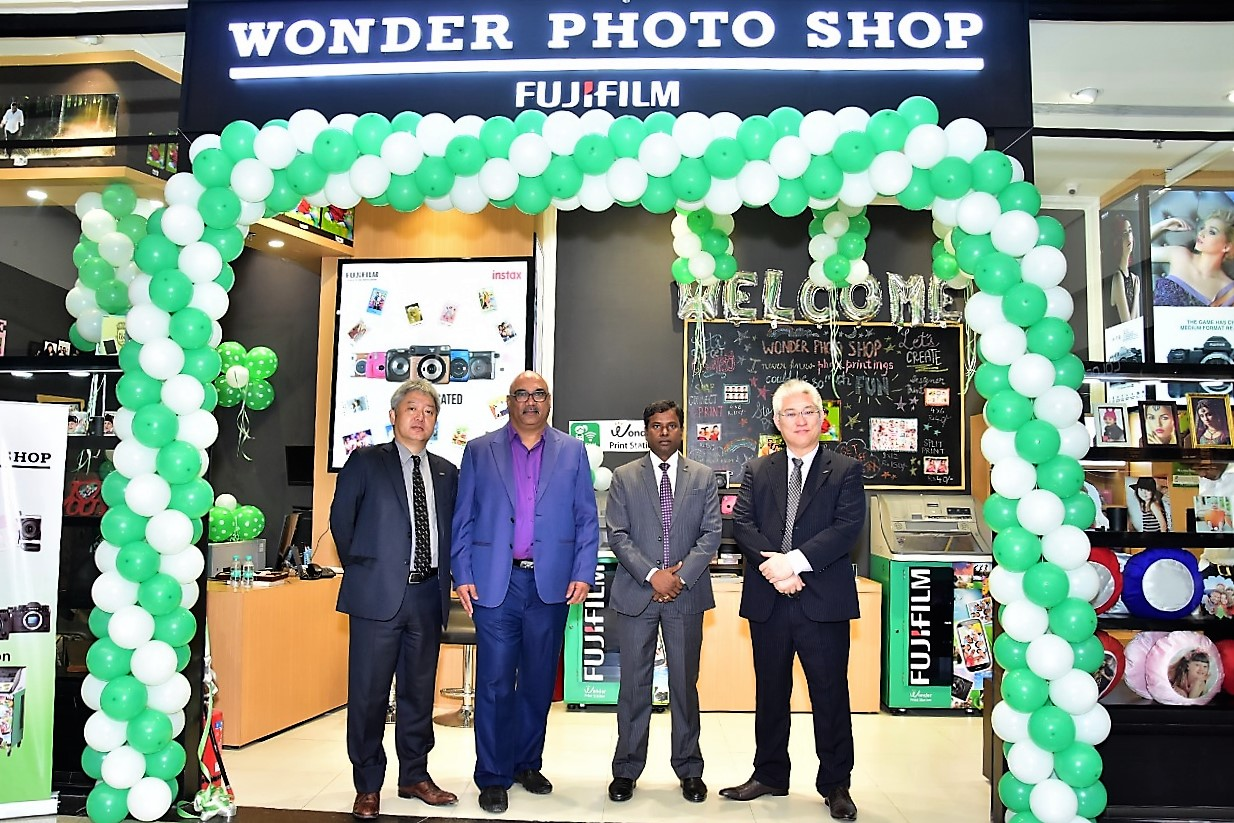 This is the company's second WONDER PHOTO SHOP in India