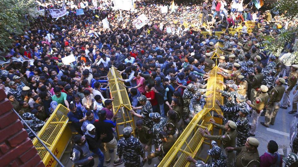 JNU protest: JNUSU, MHRD meetings end, ball in university admin's court