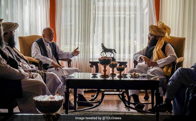 Taliban Meet ex Afghan President Hamid Karzai in Talks to Form Government